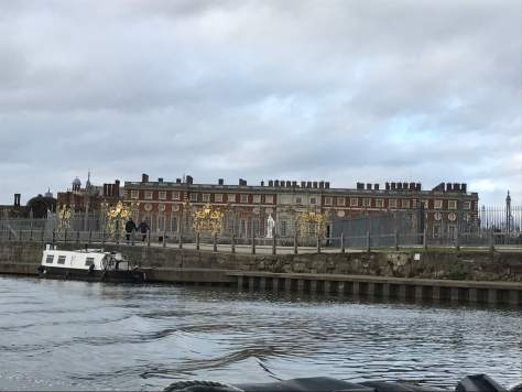 hampton_court_palace_from_the_river_thames_view