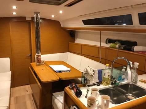 Lightening yacht elite sailing
