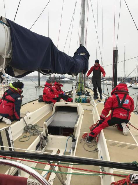 sailing_in_freezing_weather (5)
