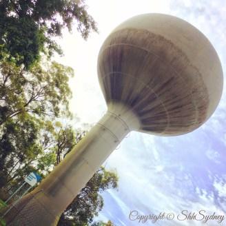 Weird Warragamba Dam dome - some kinda Sydney Water structure