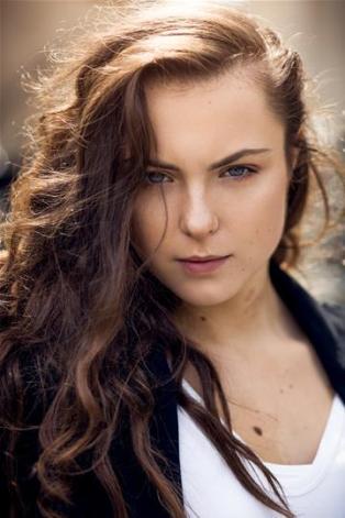 Claudia Maybury 14