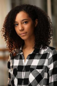 Eleana Graham 4