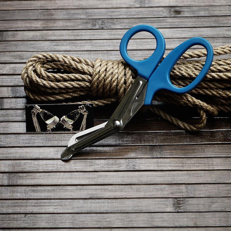 ciseaux corde shibari : coupe corde sécurité