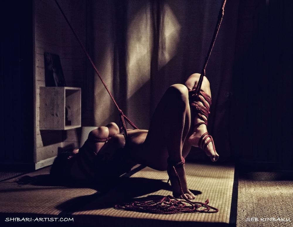 photo shibari demi suspension par Seb Kinbaku