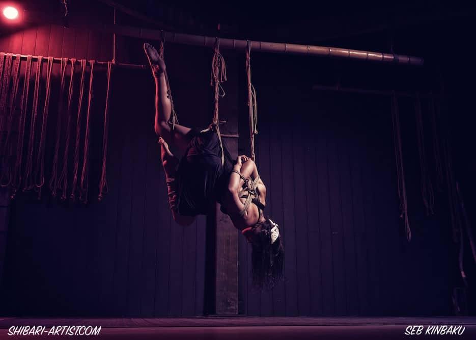 Suspension shibari par Seb Kinbaku