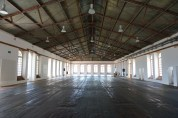 The upper exhibition hall which will house one of the 10th ISS exhibitions. Photo by Guo Jiang.
