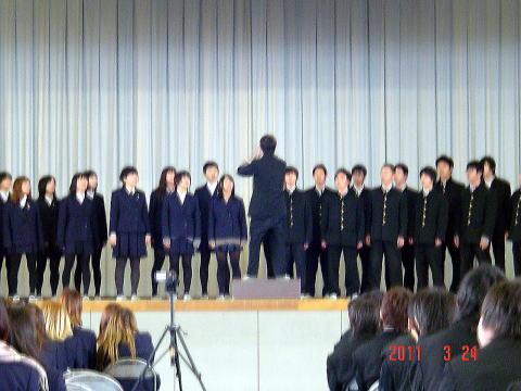 校内合唱会開催