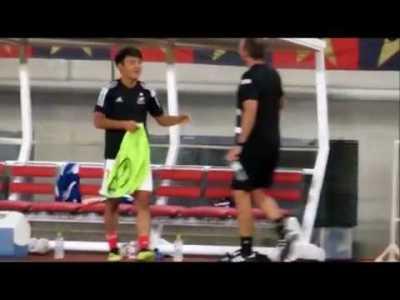 【サッカー】久保建英選手が自分の出番を勘違いして思わず照れ笑い(笑)
