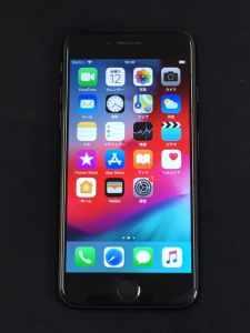 買取りしたiPhone7のガラス面