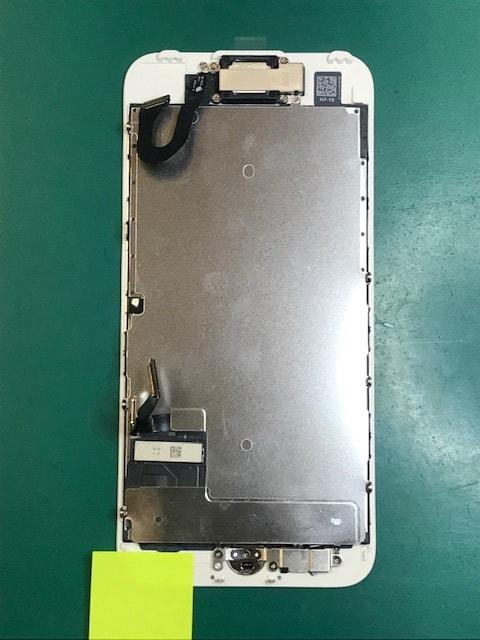 パーツを移植したiPhone7のパネル
