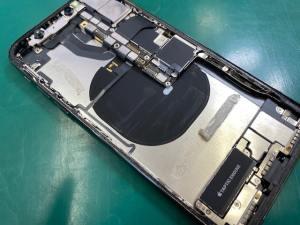 iPhoneXパネル・バッテリー取り外し
