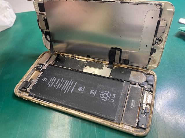 iPhone7Plus内部清掃前