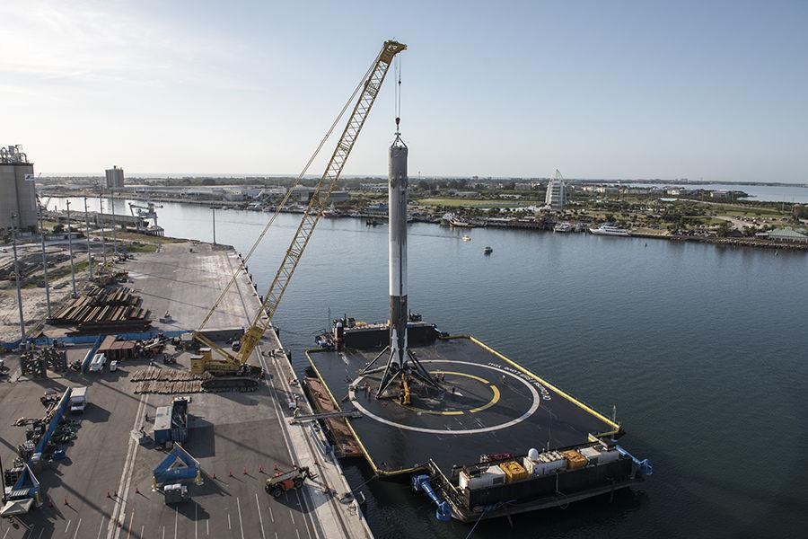 SpaceX Falcon 9 droneship