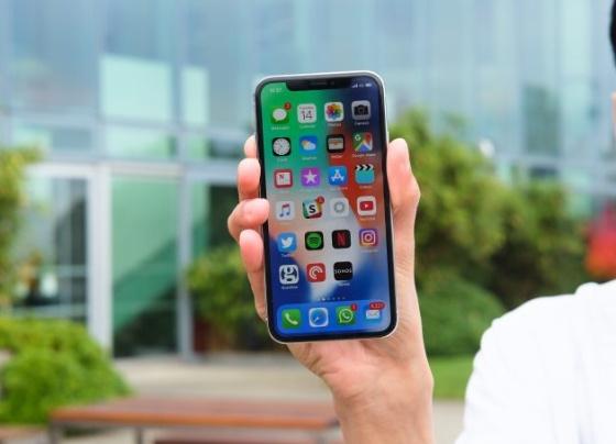 iPhone X üretimi