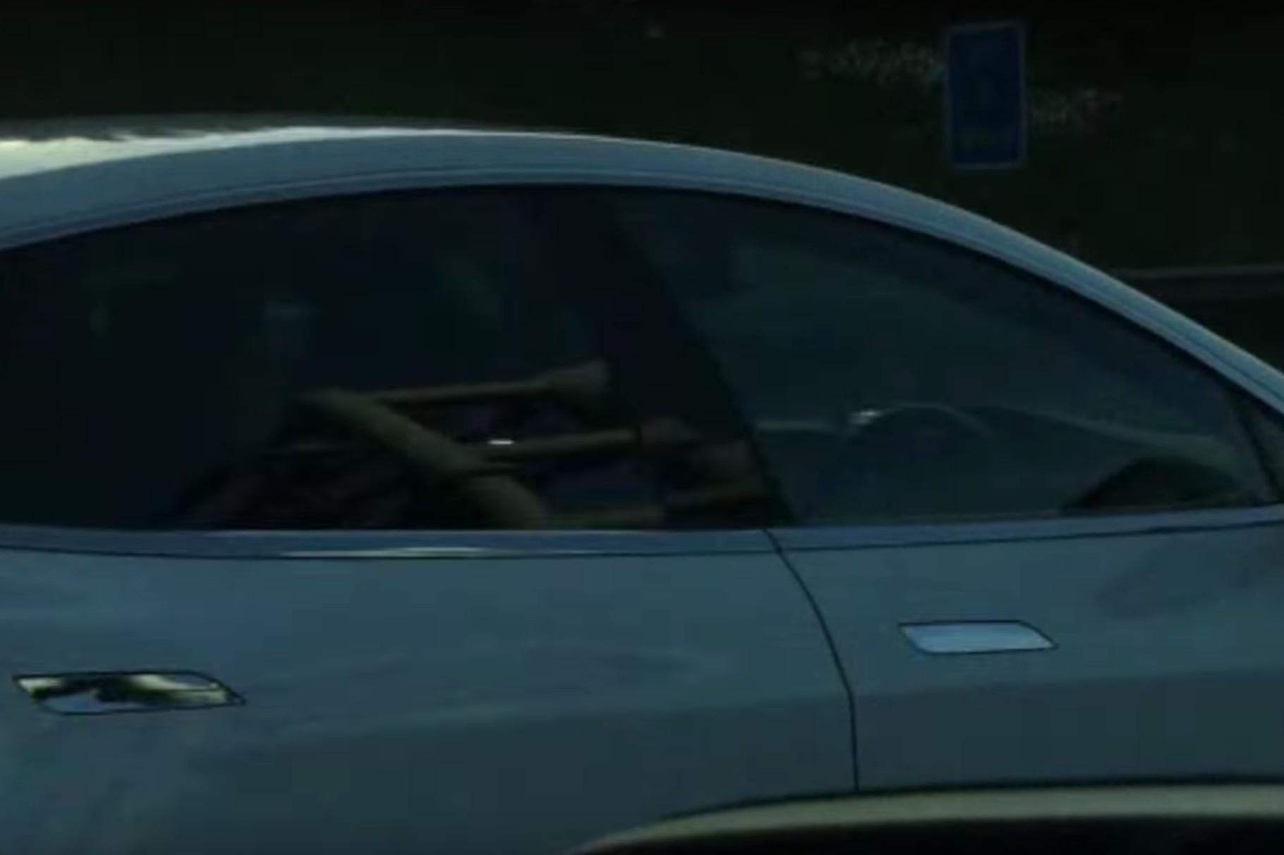 uyuyan tesla sürücüsü