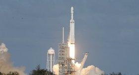 SpaceX, Falcon 9 ile 7 uydu fırlattı!