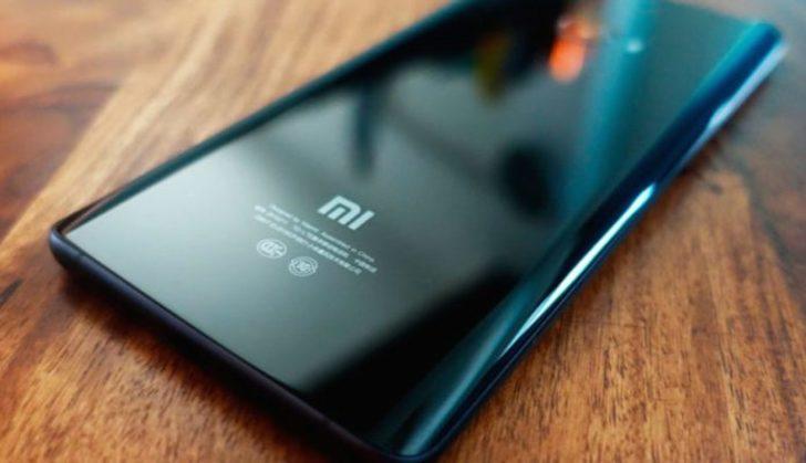 Xiaomi Mi 8 kutusu ile birlikte görüntülendi!