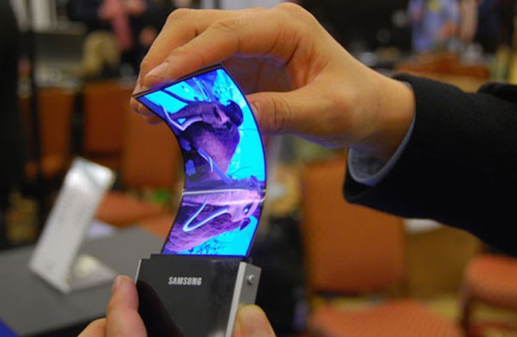 samsung katlanabilen telefon