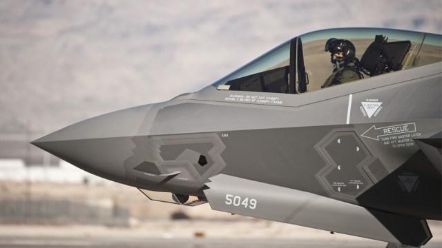 Türk pilot F-35 ile ilk uçuşunu gerçekleştirdi!
