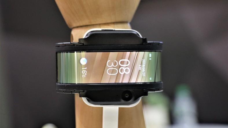 esnek ekranlı telefon