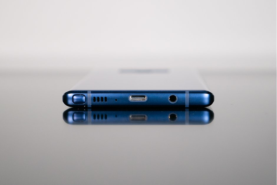 İnfinity O ekranlı Galaxy A8s