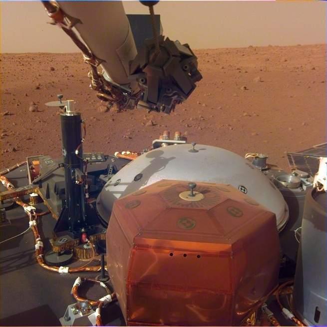 Mars kaşifi Insight selfie