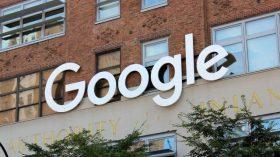 Facebook ve Google bir kişi tarafından dolandırıldı!