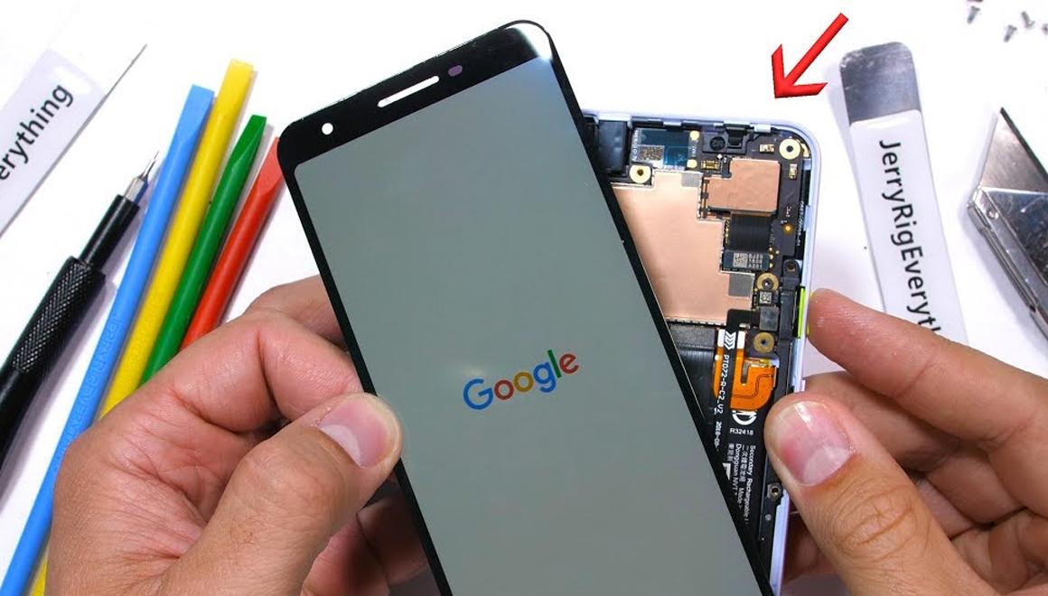Google Pixel 3a parçalarına ayrıldı!