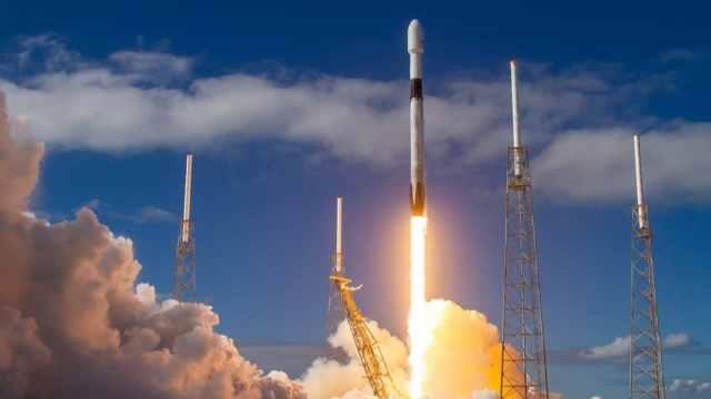 yeni Uzay istasyonu, ay görevi, spacex
