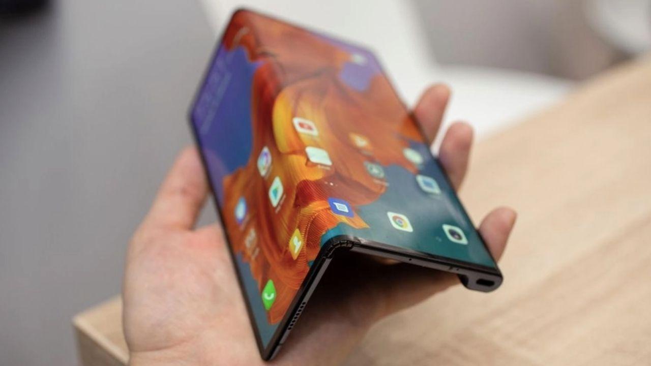 ABD baskısı hissedildi: Huawei Mate X2 ertelendi! 1