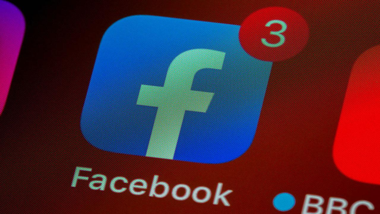 Facebook dezenformasyon
