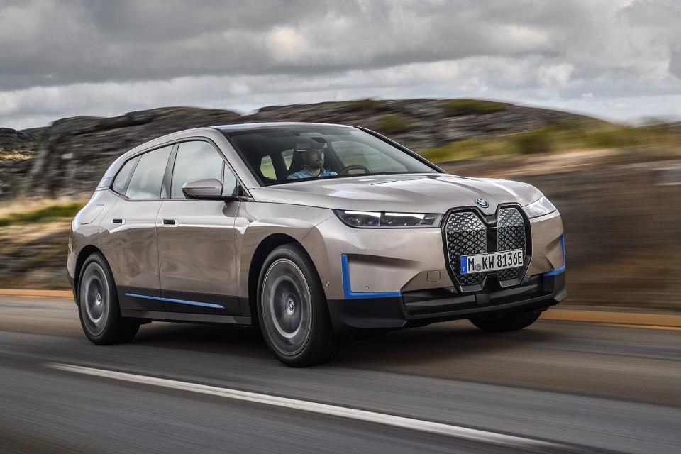 BMW iX tanıtıldı