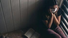 Yeni COVID-19 araştırması: Ruh sağlığını etkiliyor!