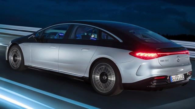 2021 Mercedes EQS tanıtıldı: Elektrikli lüks sedan