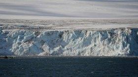 Dünyanın en büyük buzdağı Antarktika'dan koptu