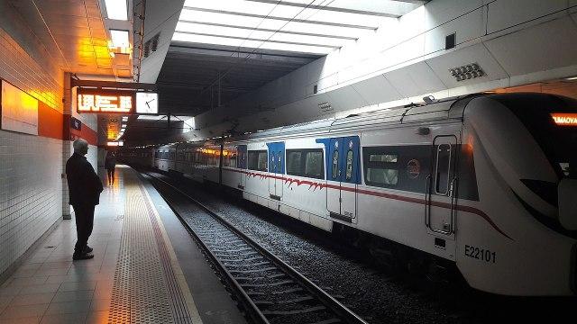 İzmir Büyükşehir Belediyesinden metroda internet müjdesi