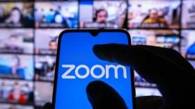 Zoom, gerçek zamanlı çeviri özelliğine sinyal yaktı