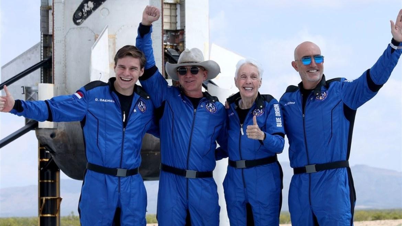 Jeff Bezos uzay uçuşu ekibi.