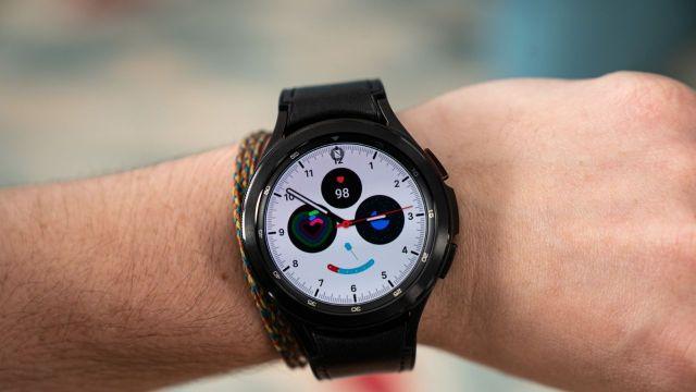 wearOS'lu ilk Samsung akıllı saat Galaxy Watch4 tanıtıldı!