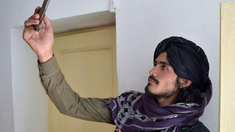 Facebook, Taliban