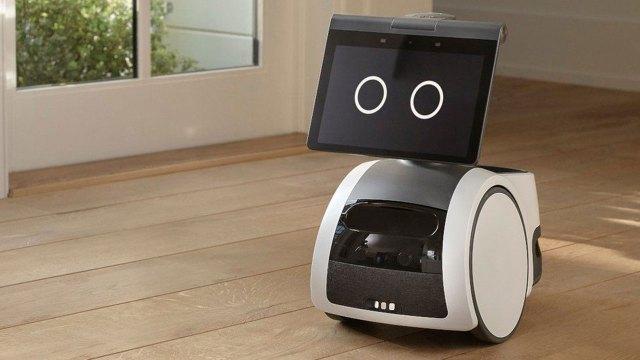 Amazon ilk akıllı ev robotunu tanıttı