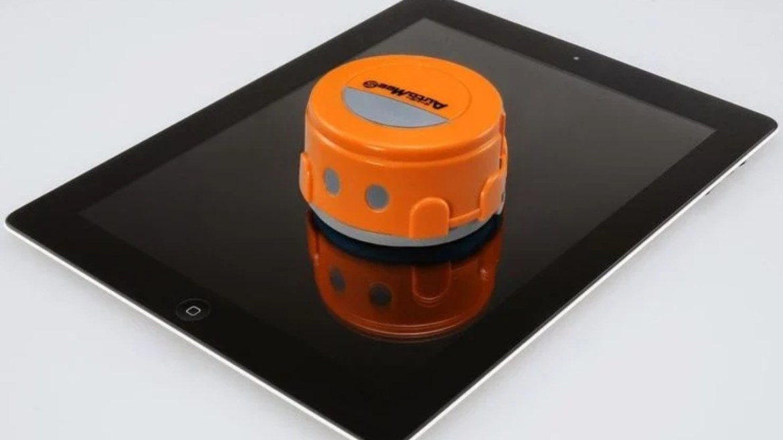 Çin teknolojik ürünlerinde ekran temizleme robotu