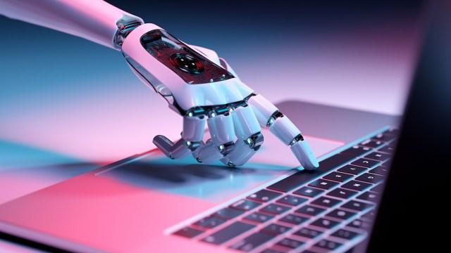 Google yöneticisi, yapay zekanın kıyameti getireceğini iddia etti!