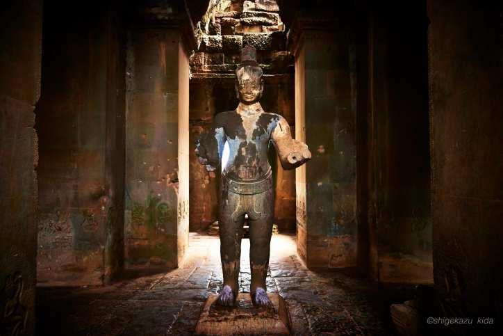Angkor(アンコール)遺跡群にあるAngkorWat(アンコール・ワット)の石像