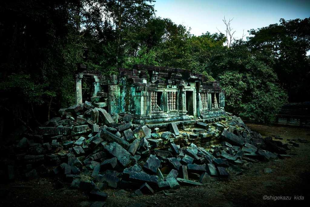 Angkor(アンコール)遺跡群にあるBengMealea(ベン・メリア)の経蔵