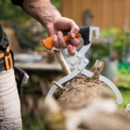Fiskars_Action_WoodXpert_LogTongs_39cm_ToolBelt_1003625_1003626-1_project_main_image