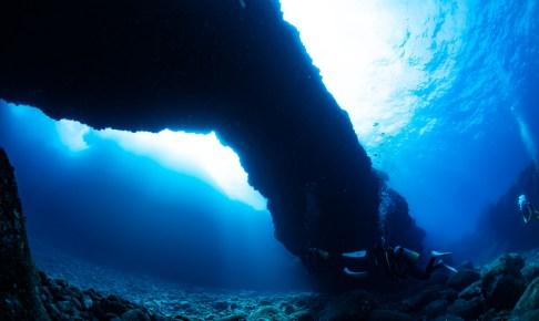 三宅島のダイビング風景