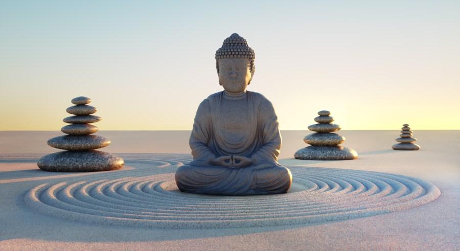 Buddha in Abendstimmung