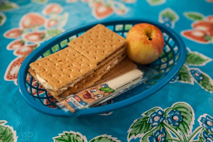 Bekah & Emmi had a picnic :)