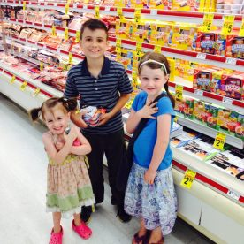 Grocery shopping with the little people